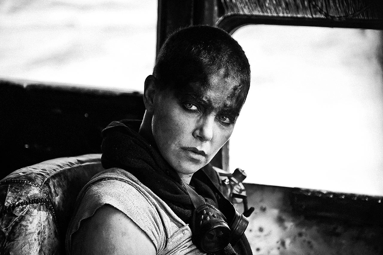 http://wwws.warnerbros.co.jp/madmaxfuryroad/images/gallery-2.jpg