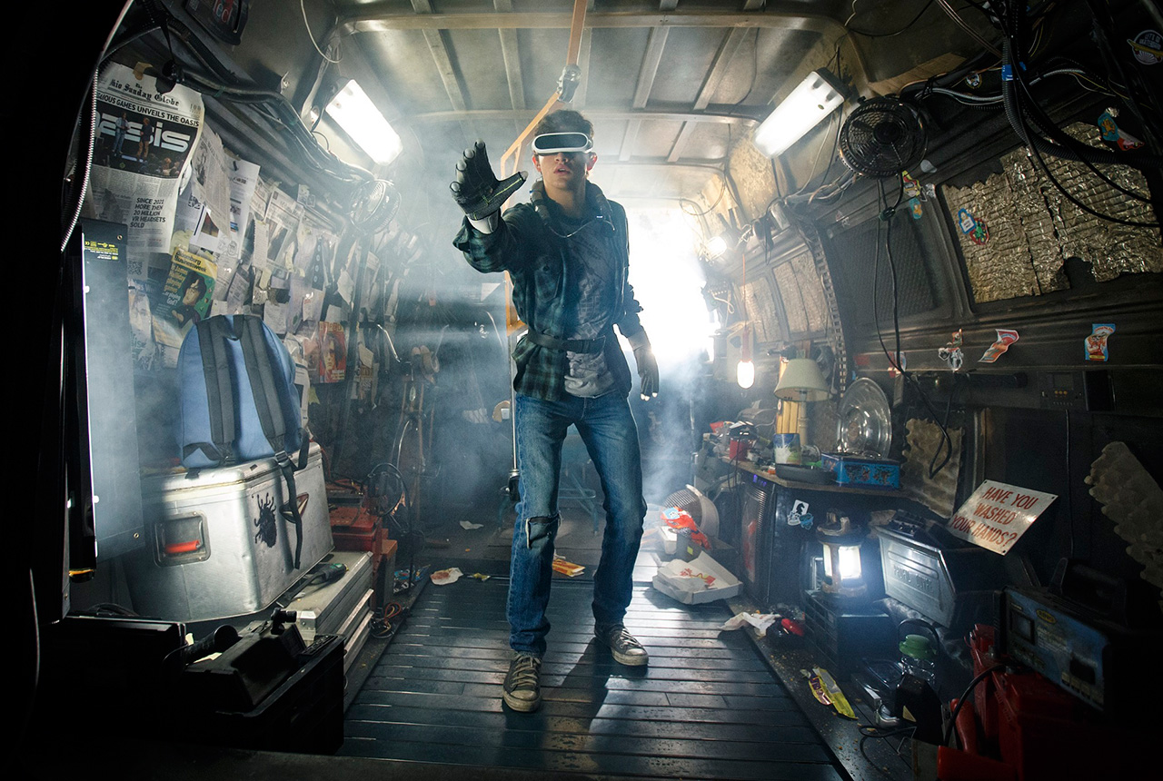 http://wwws.warnerbros.co.jp/readyplayerone/asset/img_0.jpg